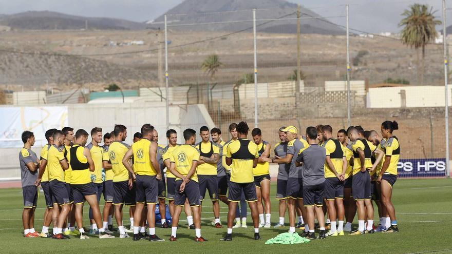 La Unión Deportiva Las Palmas en sus instalaciones de Telde, donde se ha ejercita en la mañana de este martes .