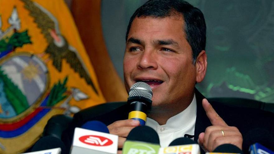 """Correa dice que Lula, Dilma y Cristina son """"perseguidos políticos"""" de la derecha"""