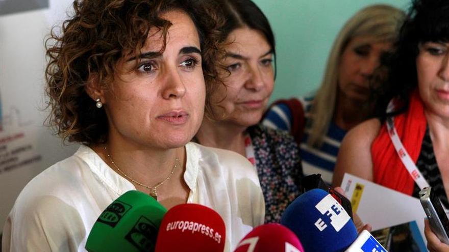 """La ministra Montserrat pide que """"todos vigilemos"""" para evitar los ahogamientos"""