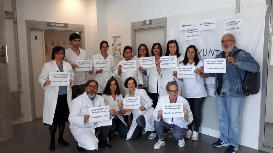 Concentración en apoyo de la huelga de médicos en la Atención Primaria en Vigo