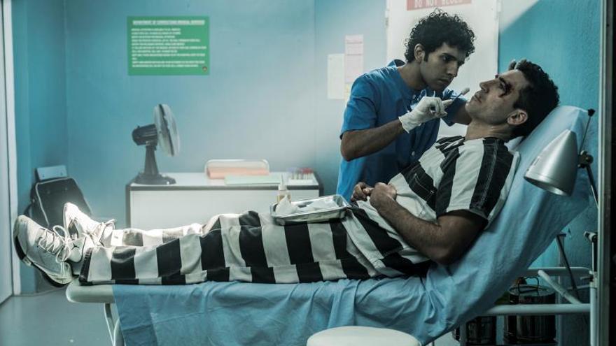 Miguel Ángel Silvestre entre rejas en sus primeras imágenes como Pablo Ibar