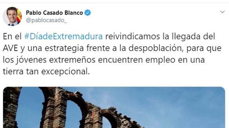 Pablo Casado reivindica la llegada del AVE a Extremadura y una estrategia frente a la despoblación