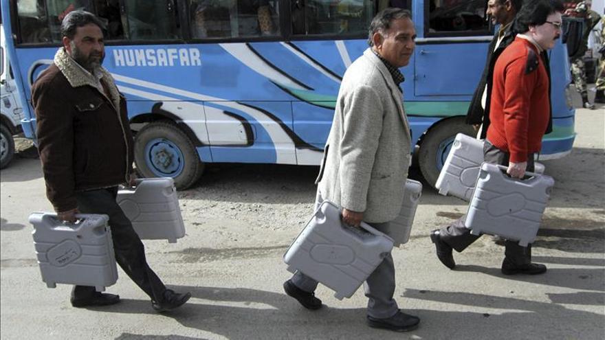 Alta participación en la primera fase de las elecciones en Cachemira india