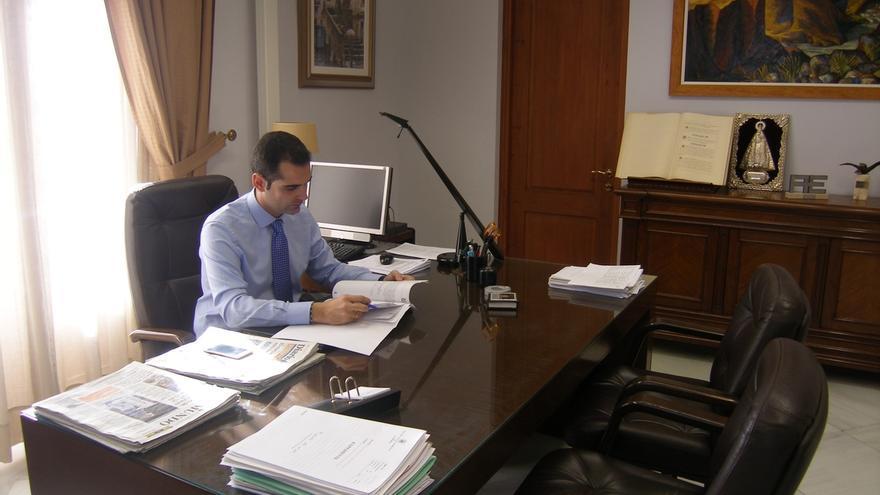 El alcalde de Almería pide una reunión a De la Serna para abordar la conexión ferroviaria de la capital