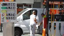 Los precios de la gasolina y el gasóleo bajan hasta mínimos del año