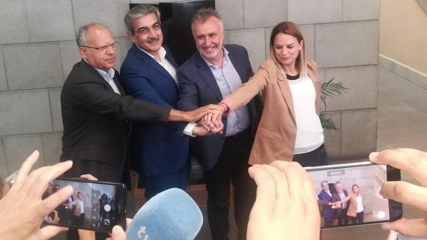 Curbelo, Rodríguez, Torres y Santana, tras anunciar el pacto en Canarias
