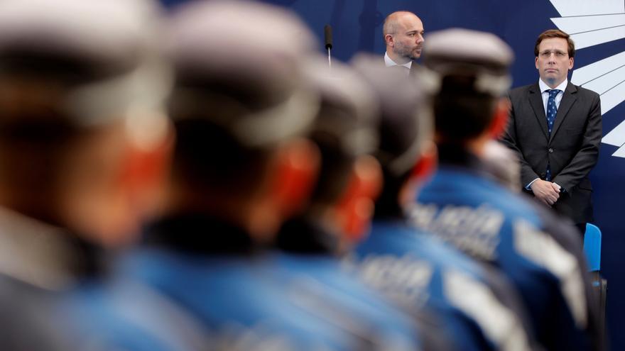 El alcalde de Madrid, José Luis Martínez-Almeida, asiste a los actos en conmemoración de la festividad del patrón de la Policía Municipal.