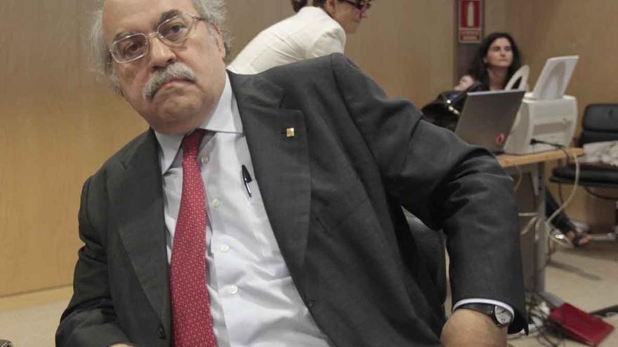"""El Gobierno catalán carga contra los """"criterios políticos"""" de S&P por rebajar su deuda a bono basura"""