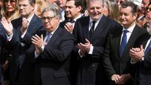 Rafael Catalá, José Ignacio Zoido e Iñigo Méndez de Vigo en el traslado del Santísimo Cristo de la Buena Muerte y Ánimas