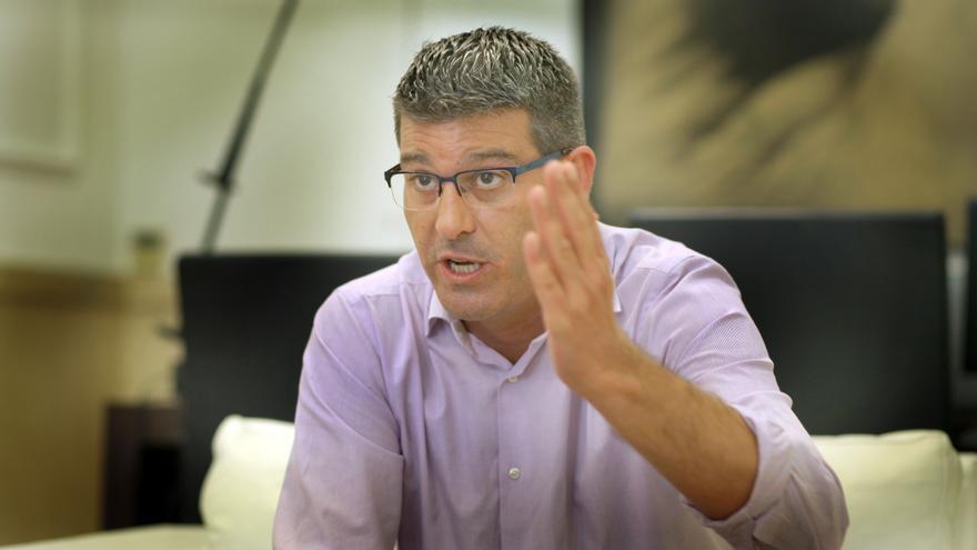 Jorge Rodríguez, el presidente de la Diputación de Valencia, en su despacho.