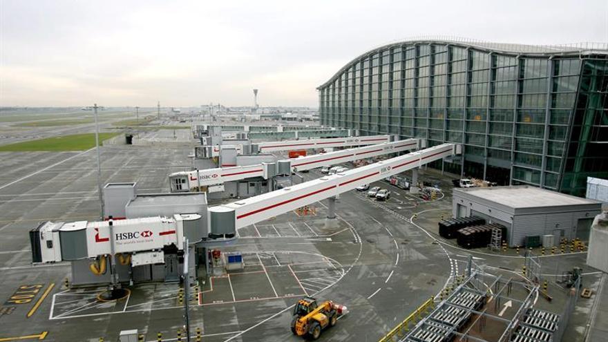 El aeropuerto de Heathrow cancela 80 vuelos a causa del mal tiempo