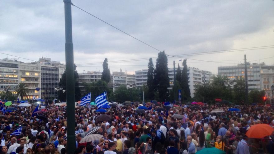 La plaza Syntagma durante la concentración a favor del 'sí' en el referéndum griego del 5 de julio. / A. G.