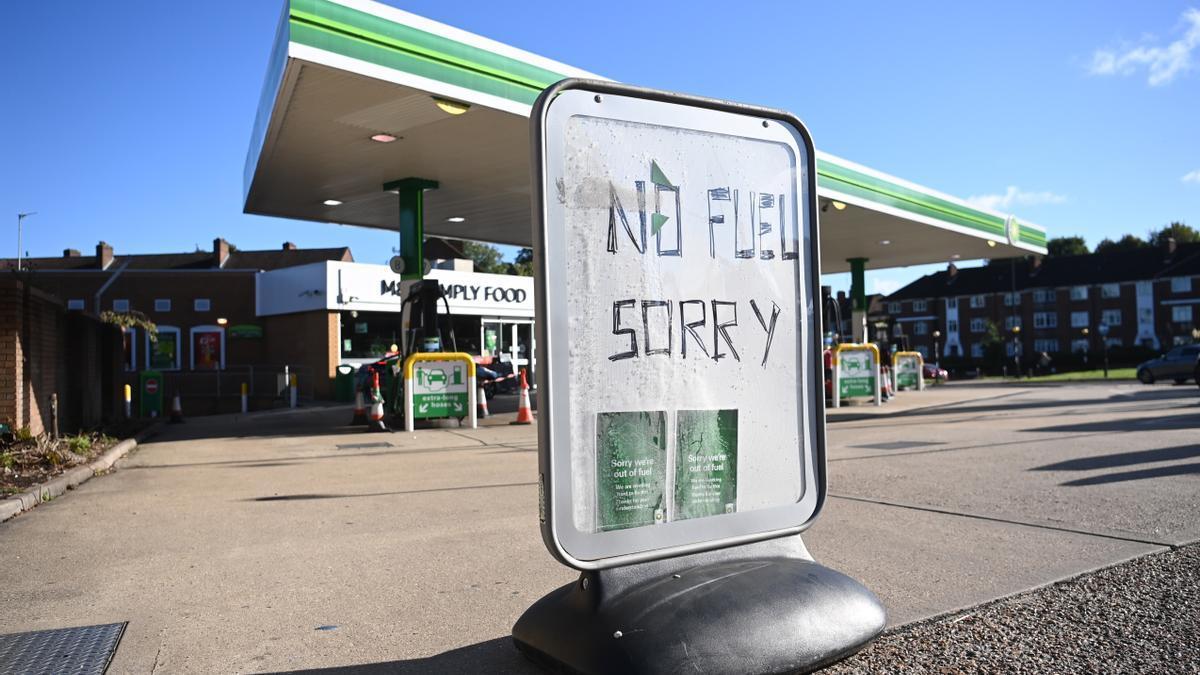 Una gasolinera BP en Londres sin combustible disponible.