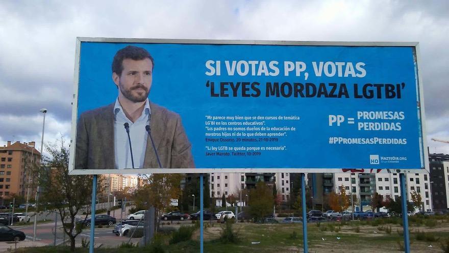 Vallas distribuidas por Hazte Oir contra el PP