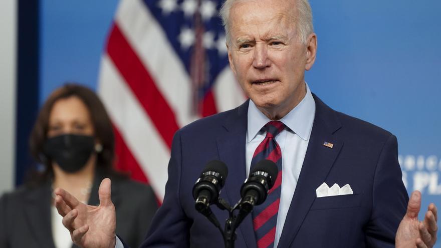 Biden pide a los republicanos negociar para sacar adelante el plan de infrastructura