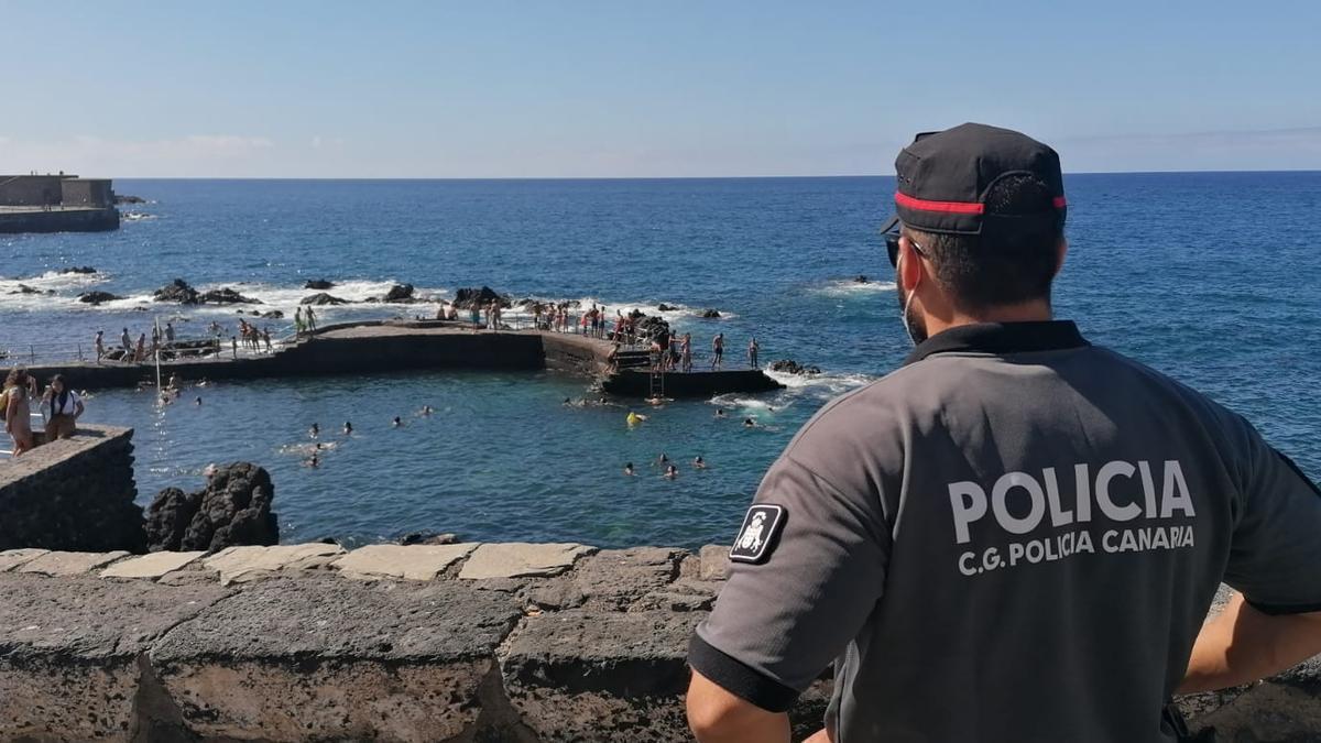 Uniformes de la Policía Canaria.