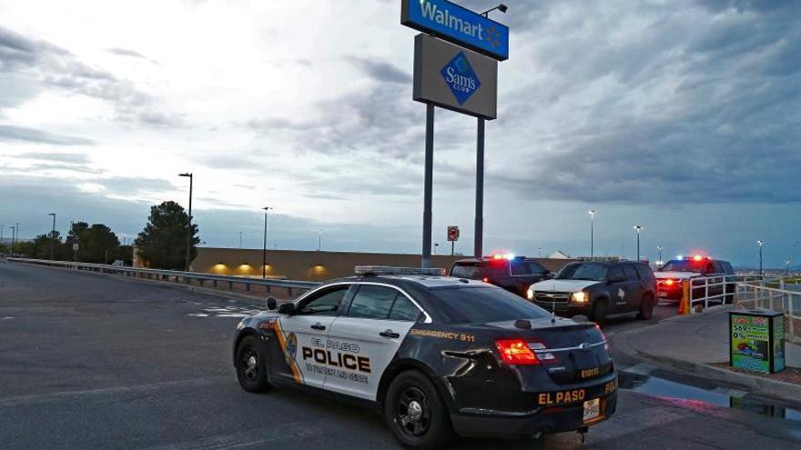 """Investigan un manifiesto contra la """"invasión hispana de Texas"""" previo al tiroteo de El Paso"""