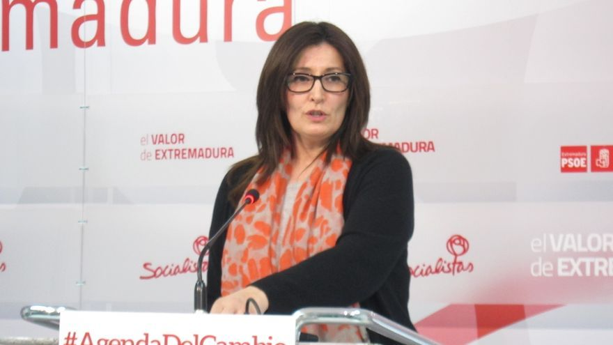 Vara (PSOE) presenta una lista para recuperar el Gobierno de Extremadura renovada al 75% en Badajoz y al 97% en Cáceres