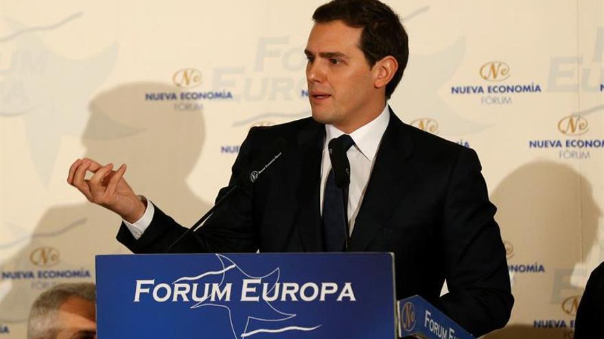 Rivera ruega a Rajoy que evite esta vez otro show de Puigdemont en el Parlament