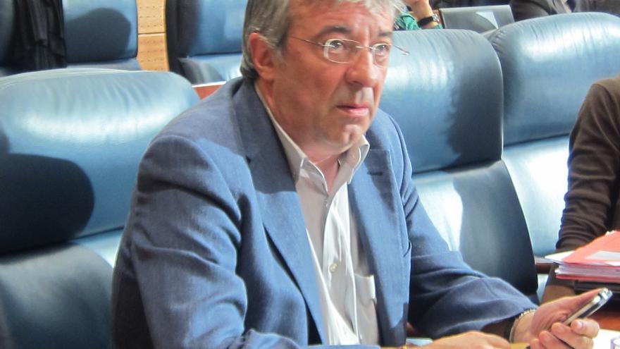 """Gordo (IU) dice que González ha hecho el discurso de Aguirre pero le agradece que haya sido en """"menos tiempo"""""""