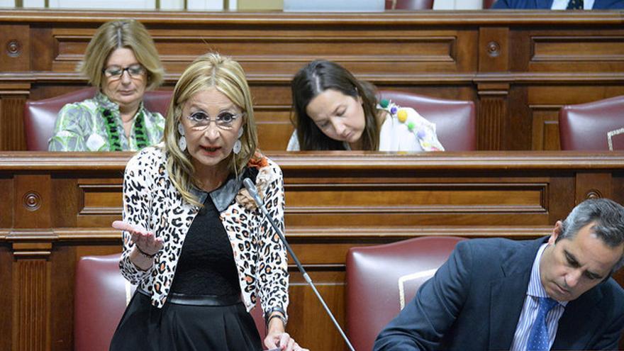 María Australia Navarro y Miguel Jorge Blanco en el Parlamento de Canarias