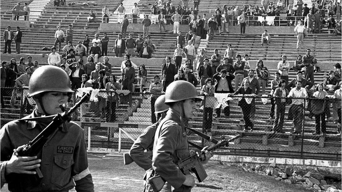 El Estadio Nacional Santiago fue uno de los centros por el que pasaron cerca de 40.000 detenidos y detenidas después del golpe de Estado de 1973.