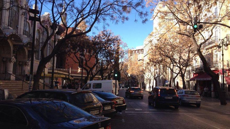 Los coches pueden acceder libremente a día de hoy por la plaza del Mercado