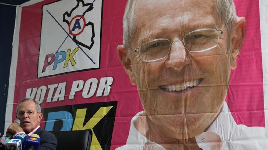Un exgobernador y una exministra completan la plancha presidencial de Kuczynski en Perú