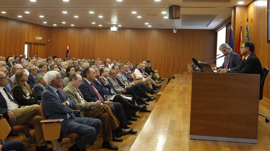 El conseller de Hacienda, Vicent Soler, en su conferencia en ADEIT.