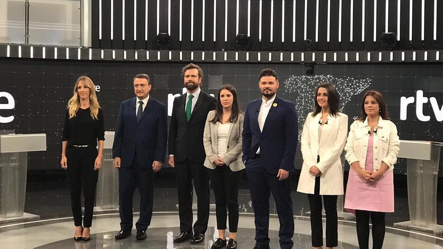 Los siete portavoces que participan este viernes en el debate de RTVE.