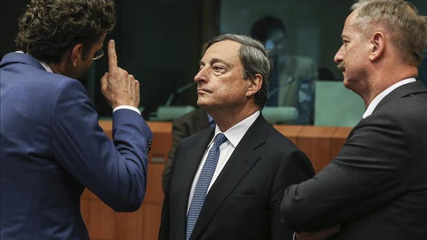 El Eurogrupo apoya a Portugal, deja en espera a Grecia y da nota mixta a España