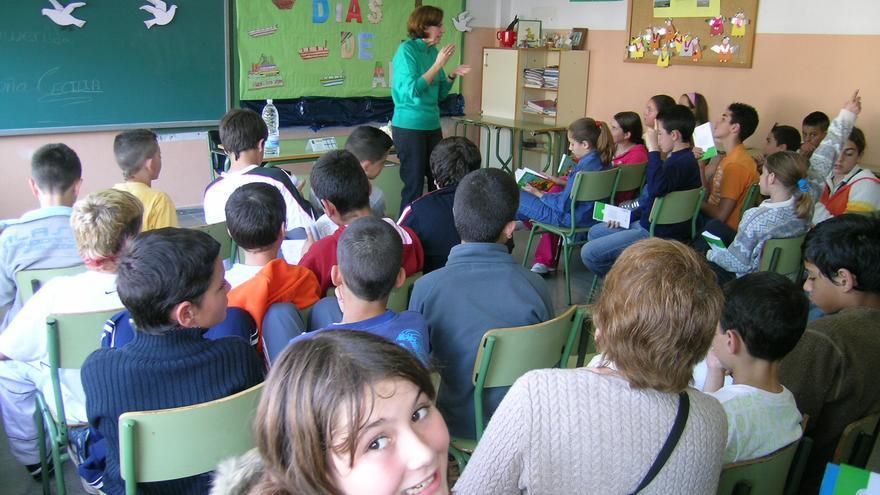 Proyecto 'Leer Canarias' en una clase de Icod de Los Vinos.