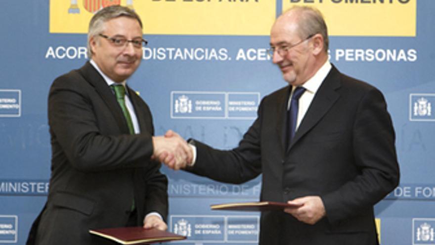 Blanco y Rato en la reciente firma de un acuerdo en materia de vivienda entre Fo