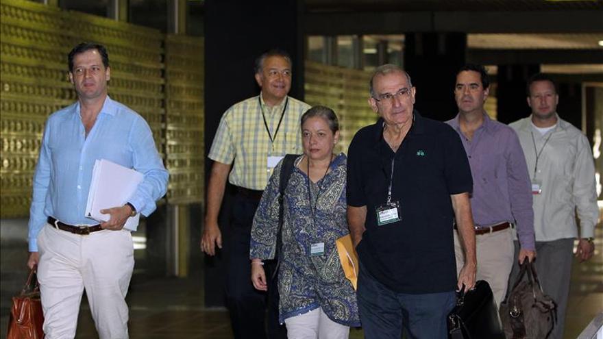 Colombia anuncia el regreso de los negociadores a Cuba cuando liberen a los secuestrados