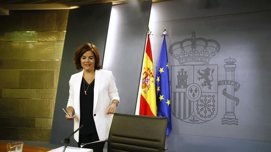 El Gobierno decide que De Guindos comparezca en comisión y no en el pleno