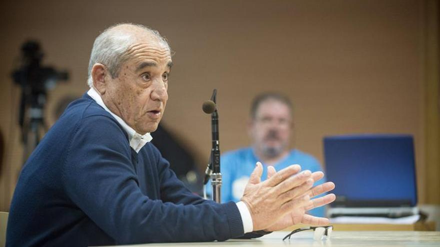 El expresidente del Cabildo de Lanzarote y fundador del PIL, Dimas Martín. EFE/Javier Fuentes Figueroa