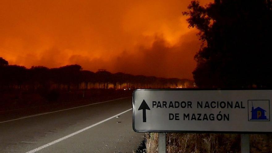 Imagen de las llamas poco después de iniciarse el fuego.