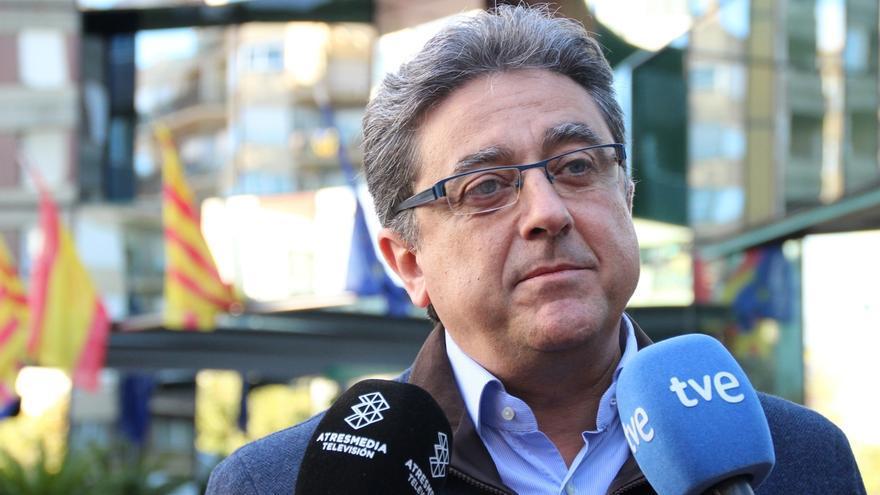 """El PP pide a Mas que presente presupuestos y """"trabaje para todos"""" los catalanes"""