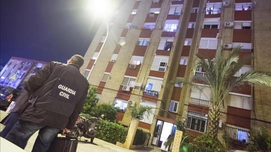 Un muerto en el incendio de un piso en Bormujos (Sevilla)
