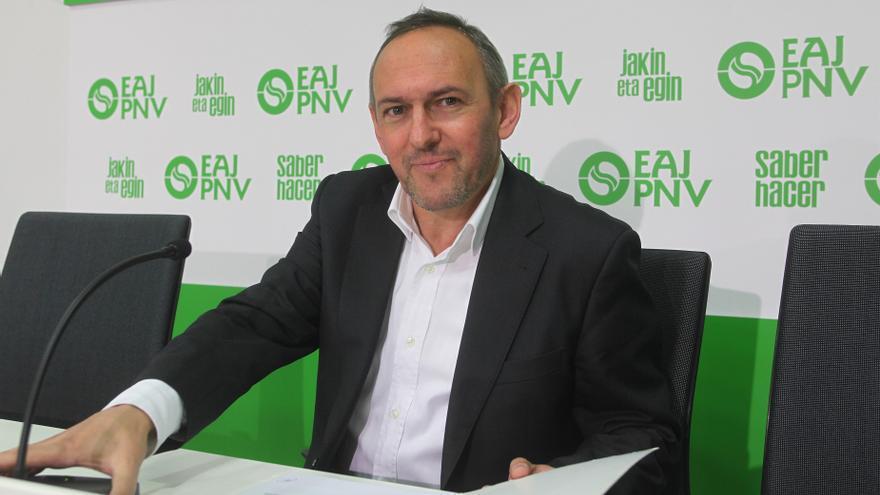 """PNV exige a De Andrés que recupere la condición H24 como """"primer paso"""" para hacer de Foronda un aeropuerto de referencia"""