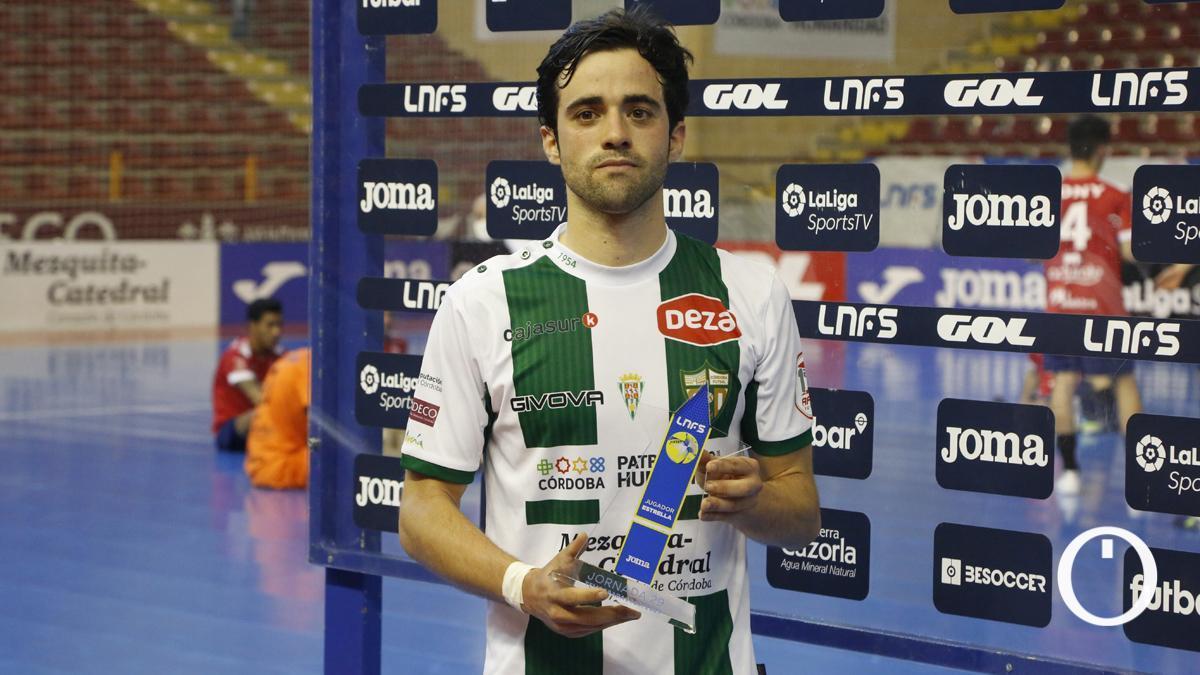 Pablo del Moral, con el trofeo de 'MVP'.