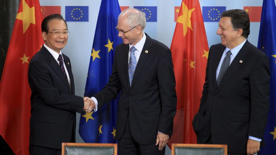 Wen asegura que China seguirá ayudando a resolver el problema de deuda de la UE