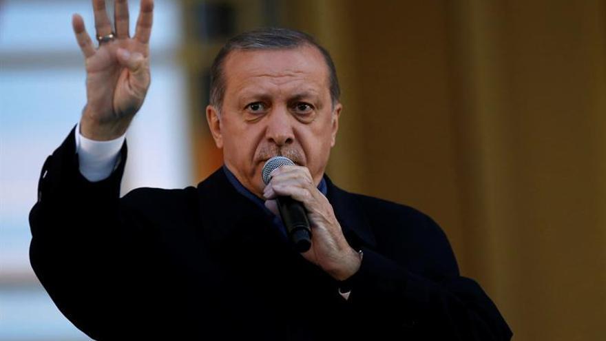 Erdogan pide un diálogo multilateral para resolver el conflicto de Cachemira