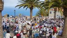 Participantes en el II Corso Comarcal celebrado este viernes en el núcleo urbano de Santo Domingo de la Villa de Garafía.