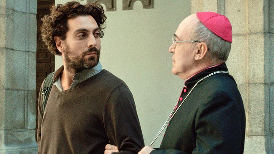 El apostata convenciendo al obispo de sus razones para despedirse de la Iglesia