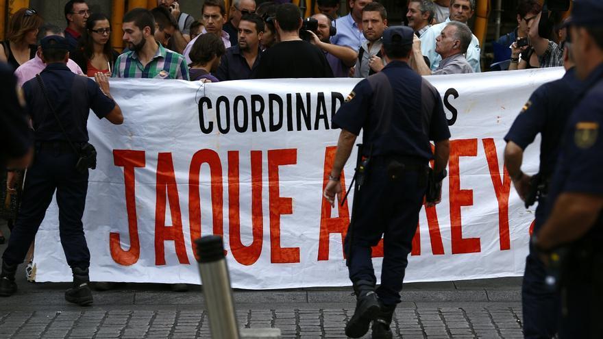 """El 25S conmemora el primer 'Rodea el Congreso' llamando a rechazar la monarquía con una """"concentración indefinida"""""""