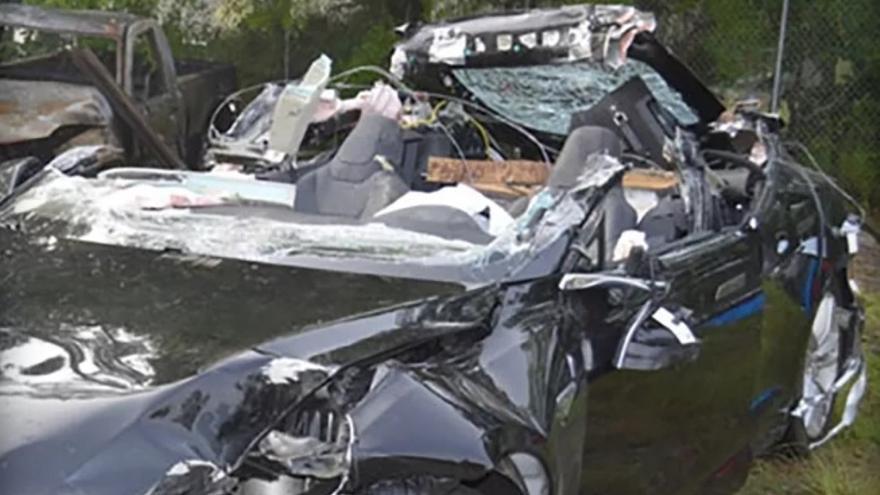El Tesla S accidentado