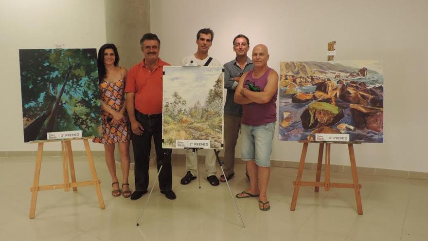 En la imagen, el consejero de Cultura del Cabildo, Primitivo Jerónimo (segundo por la izquierda), junto a los miembros del jurado (Fran Concepción, Tomaso Hernández, Guacimara Vela y Acenk).