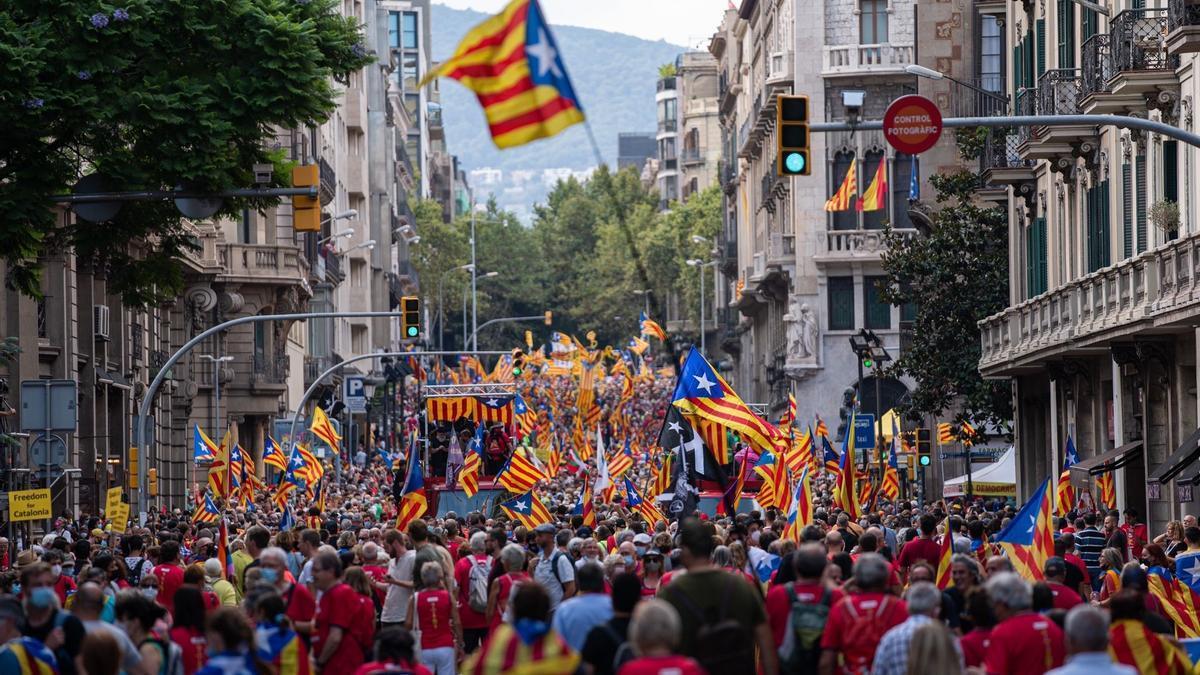 La manifestación transcurre por la Via Laietana
