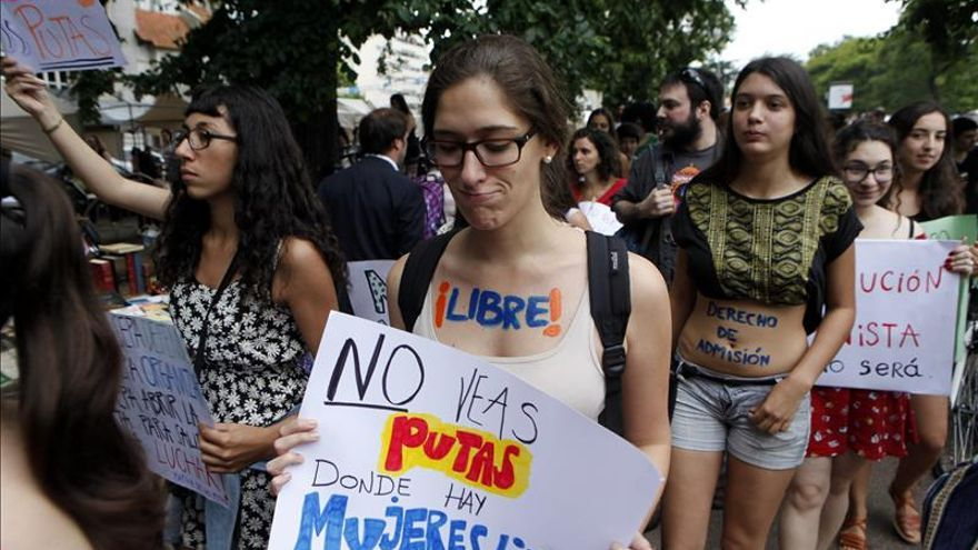 La Marcha de las Putas en Uruguay denuncia el acoso machista en las calles